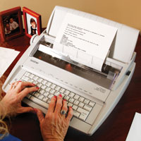 Portable Electric Typewriter